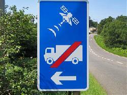 Новый дорожный знак говорит о недоверии навигации